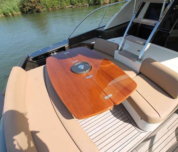 ultramar-yachts-riva-56sportriva-2008-12