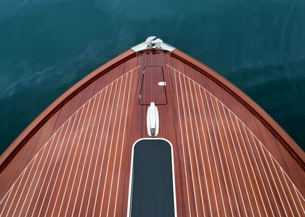 ultramaryachts-aquariva-no10-2001-18-hands-of-varnish-the-deck
